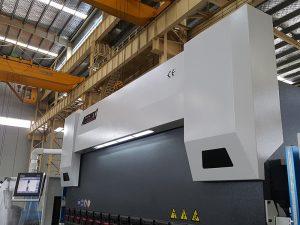 150-тонный пресс-тормоз