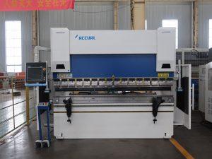 Станок для гибки стали WC67K 200t cnc Станок для листового прессования листового проката толщиной 6 м с низким расходом на экспорт